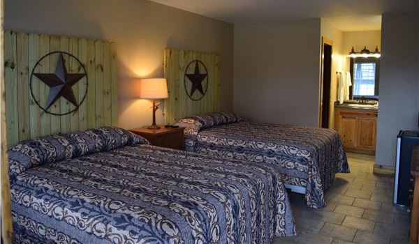 Gruene Outpost River Lodge Double Queen Room